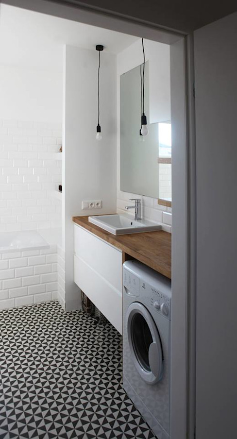 Modern Bathroom by Schemat Modern