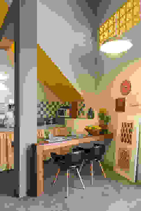 LOFT VOVÔ Modern dining room by MEIUS ARQUITETURA Modern