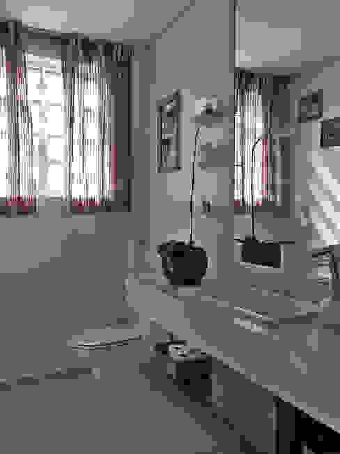 Reforma de Apartamento Banheiros modernos por MBDesign Arquitetura & Interiores Moderno