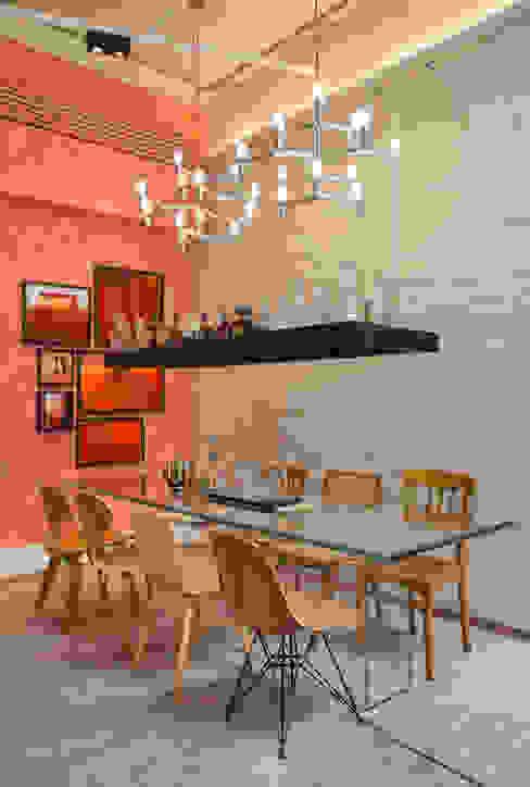 Salas de jantar ecléticas por homify Eclético