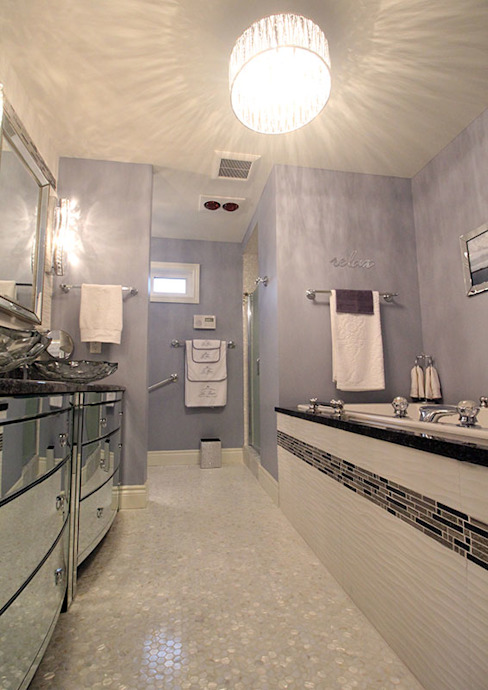 Award Winning Bathroom in Ontario, Canada モダンスタイルの お風呂 の ShellShock Designs モダン タイル