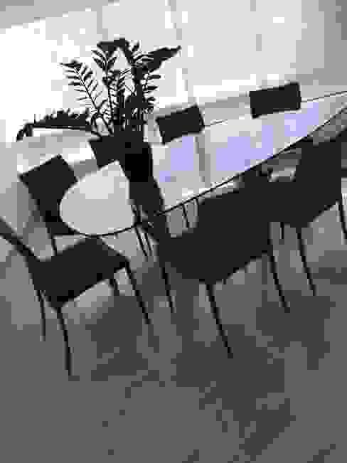 Apto. Los Chorros THE muebles Comedores de estilo moderno