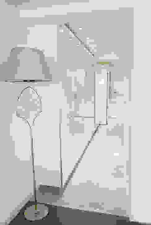 EBG Evi BAGO MİMARLIK Modern Koridor, Hol & Merdivenler
