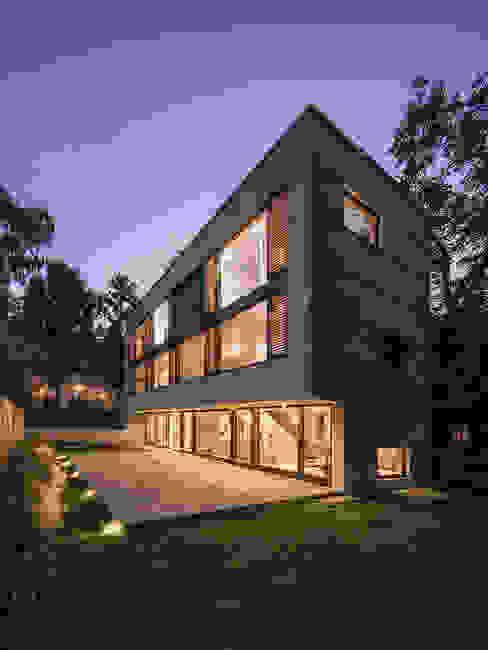House M Casas estilo moderno: ideas, arquitectura e imágenes de Peter Ruge Architekten Moderno