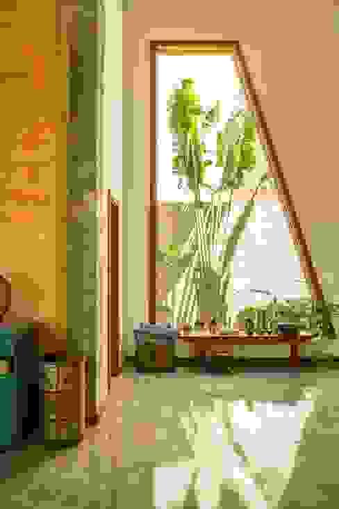 Salones modernos de Flavio Vila Nova Arquitetura Moderno