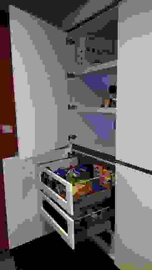 Кухня в . Автор – Cocinas y Muebles Flores