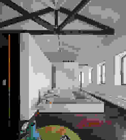 Guimarães House Quartos minimalistas por es1arq Minimalista