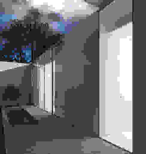 Varq. Minimalistischer Balkon, Veranda & Terrasse