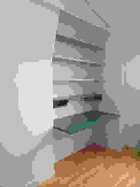 bureau-secrétaire avec abattant. Atelier Laurence-Sanchez Bureau minimaliste