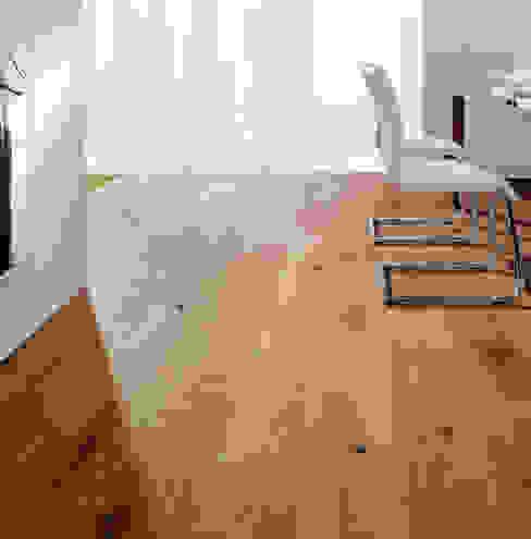 PARQUET 1 GRANDE Paredes y pisos de estilo moderno de Rochene Floors Moderno Madera Acabado en madera