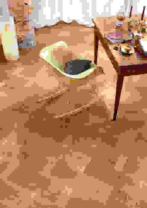 PARQUET 3 LAMAS UNIC Paredes y pisos de estilo moderno de Rochene Floors Moderno Madera Acabado en madera