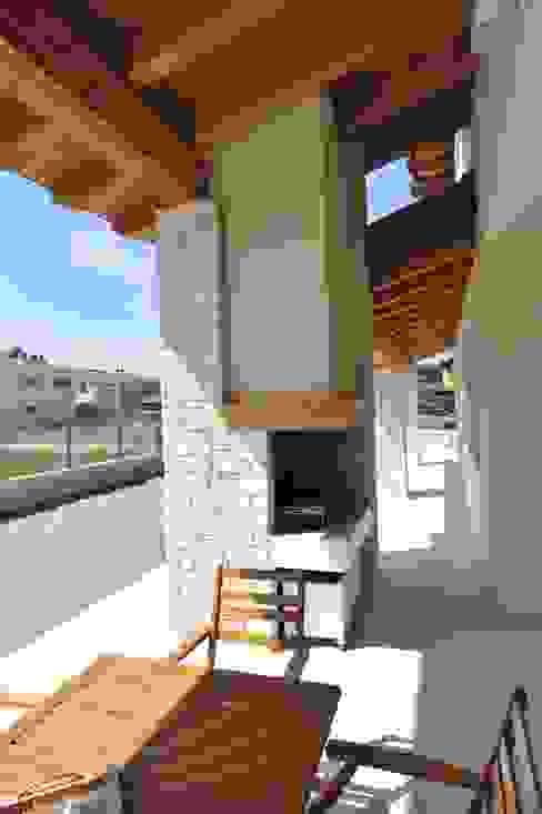 Terrazas de estilo  por Architetti Baggio, Clásico