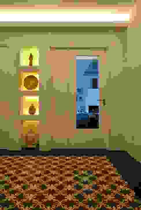 Corridor & hallway by é ar quitectura, Mediterranean Quartz