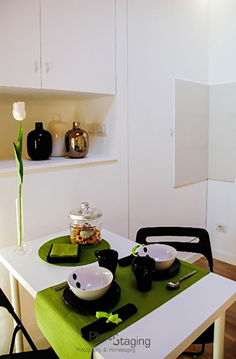 Home Staging PhotoStaging Photography & Homestaging Sala da pranzo in stile industriale Legno Verde