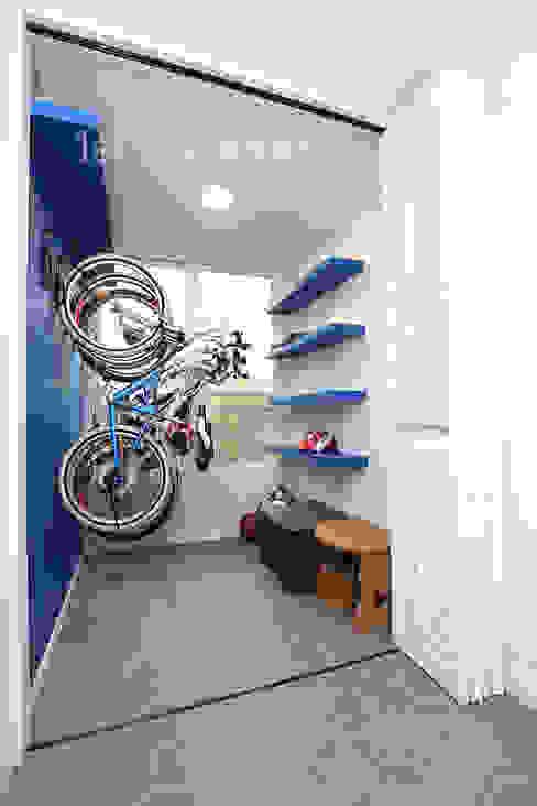 Corridor & hallway by 퍼스트애비뉴