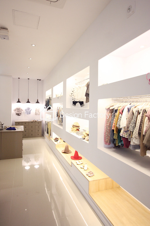 BABYPPO STUDIO: 디자인팩토리의  드레스 룸