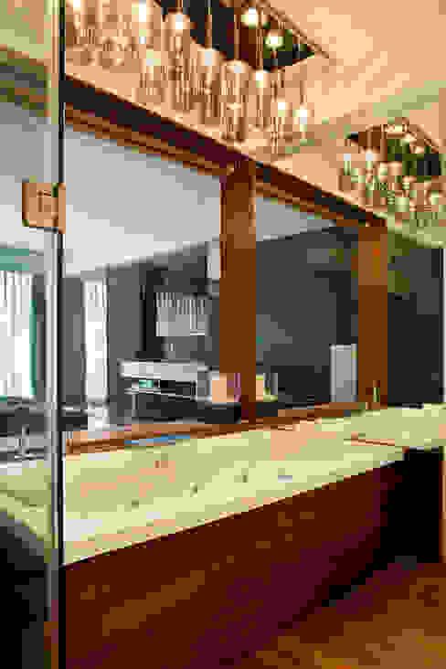 Residential - Juhu 2 Nitido Interior design Modern bathroom Solid Wood Brown