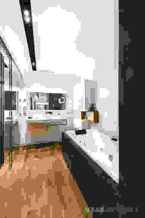 Modern bathroom by SQUAT ARCHITEKCI Modern