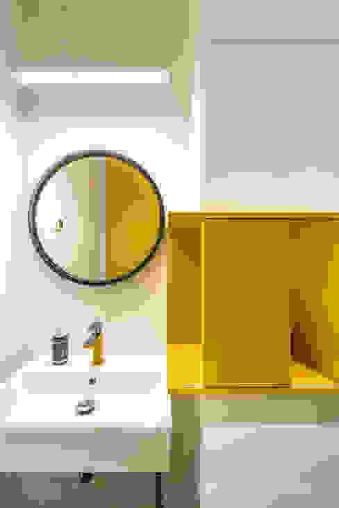 MIESZKANIE - 110m2: styl , w kategorii Łazienka zaprojektowany przez SQUAT ARCHITEKCI