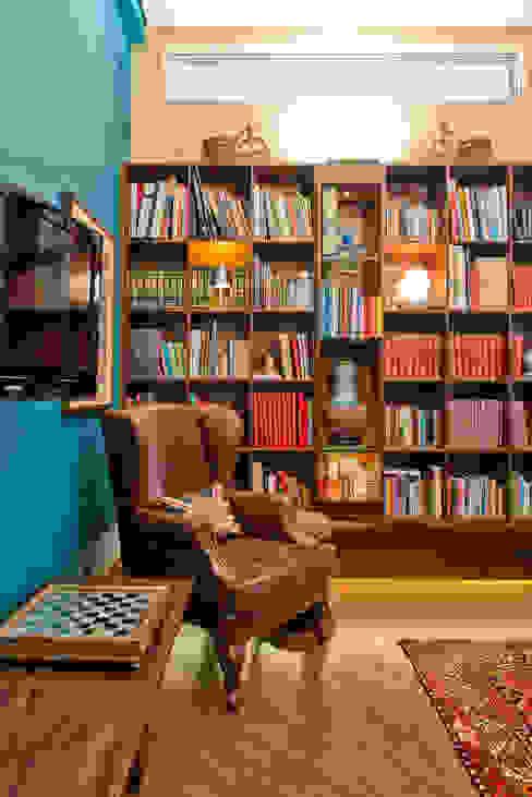 Residência Vista Alegre -Curitiba-PR Escritórios modernos por Karin Brenner Arquitetura e Engenharia Moderno