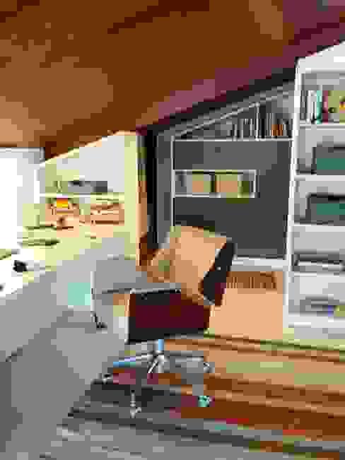 LS ARQUITETURA Minimalist study/office MDF Blue