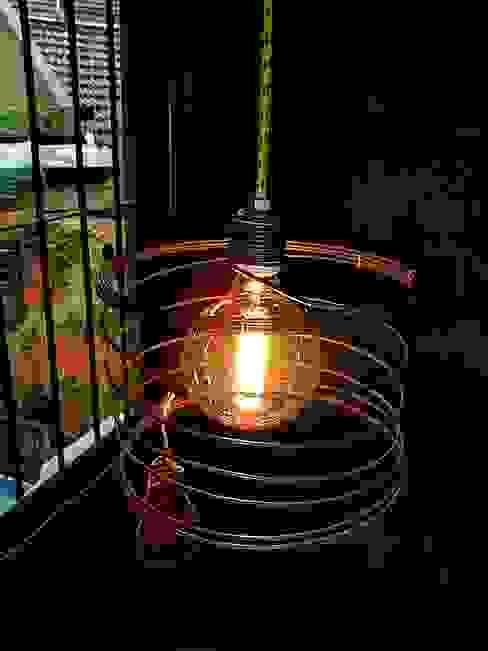 LAMPARA COLGANTE ESTILO INDUSTRIAL VINTAGE:  de estilo industrial por Lamparas Vintage Vieja Eddie,Industrial