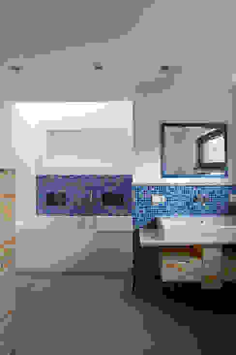 Salle de bain moderne par SIGRUN GERST ARCHITEKTUR Moderne