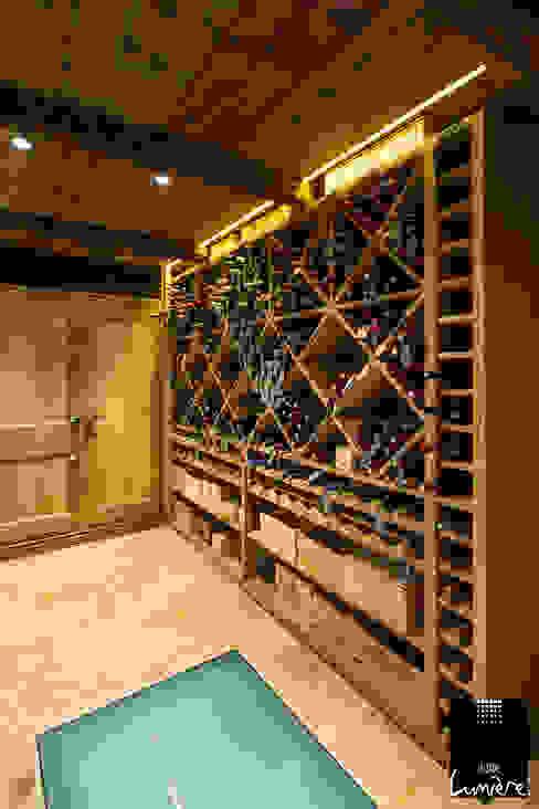 Wine cellar by Jeux de Lumière, Rustic