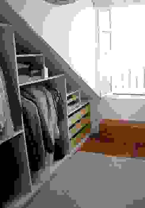 Closets  por homify, Moderno