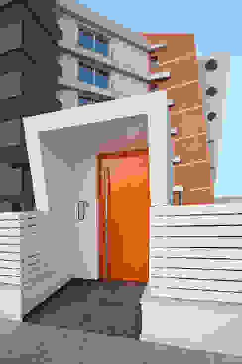 Palazzo Vertigo Case eclettiche di Laboratorio di Progettazione Claudio Criscione Design Eclettico