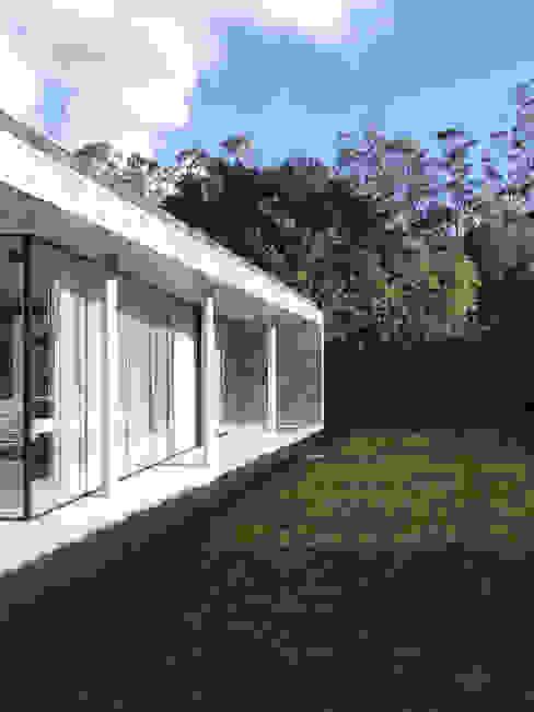 A Glass House: Casas  por ARCO mais - arquitectura e construção,Minimalista Betão armado