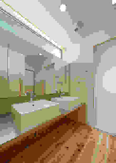 에클레틱 욕실 by coil松村一輝建設計事務所 에클레틱 (Eclectic)