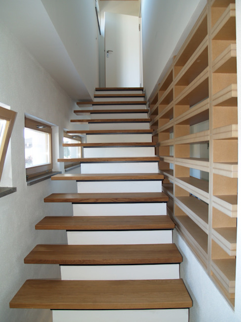 SDS Moderner Flur, Diele & Treppenhaus von ewaa Modern