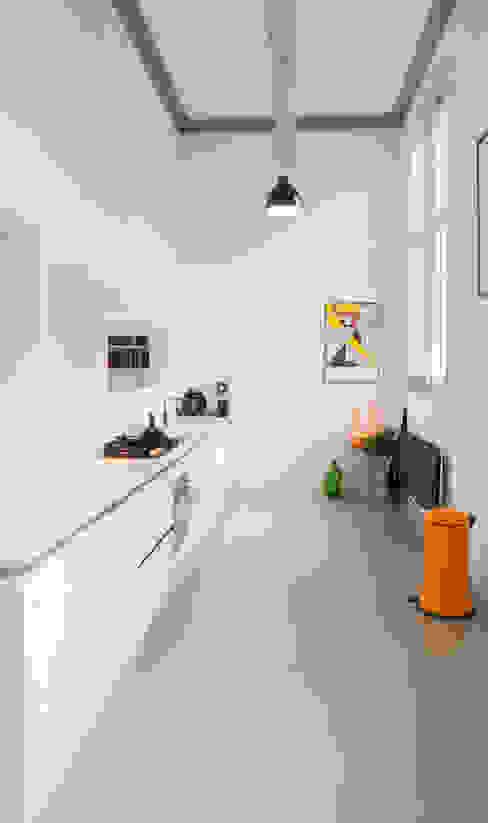 Modern Kitchen by Joep van Os Architectenbureau Modern