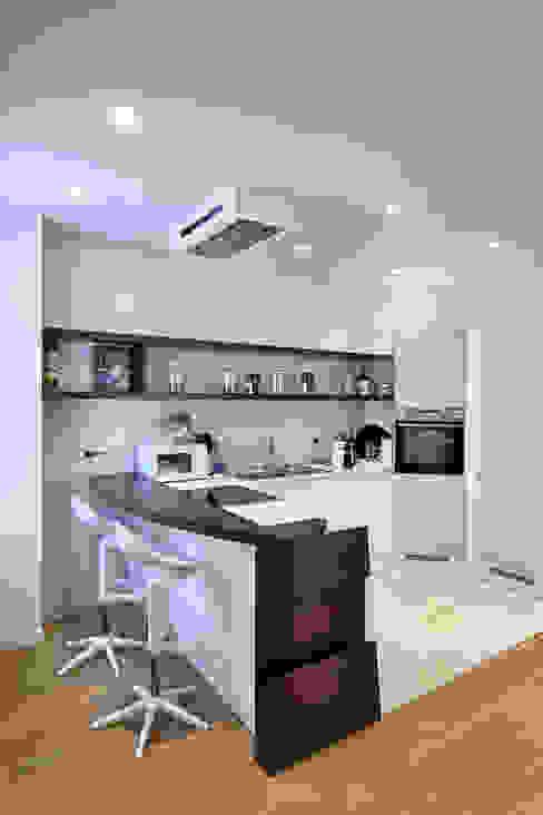 Dapur oleh Studio di Ingegneria BmT Associati, Modern