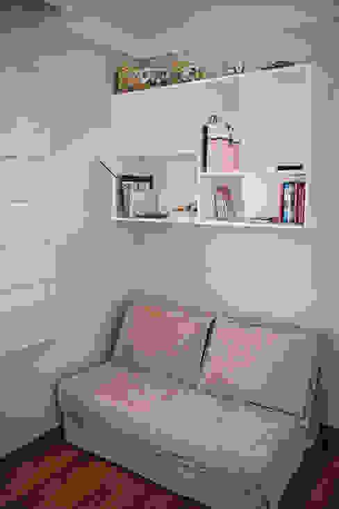 Apartamento Mnl Escritórios modernos por Lozí - Projeto e Obra Moderno