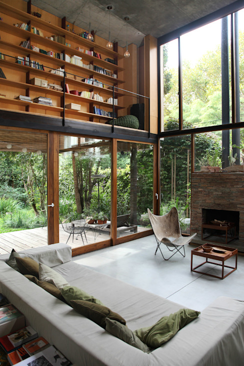 Country style living room by Arquitecto Alejandro Sticotti Country
