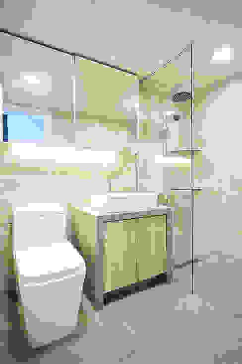 Salle de bain minimaliste par homify Minimaliste Tuiles