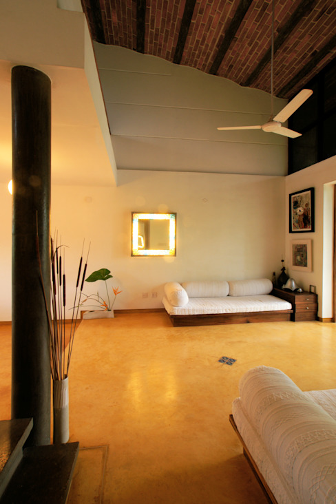 Duplex Apartment, Creativity, Auroville Eclectic style living room by C&M Architects Eclectic