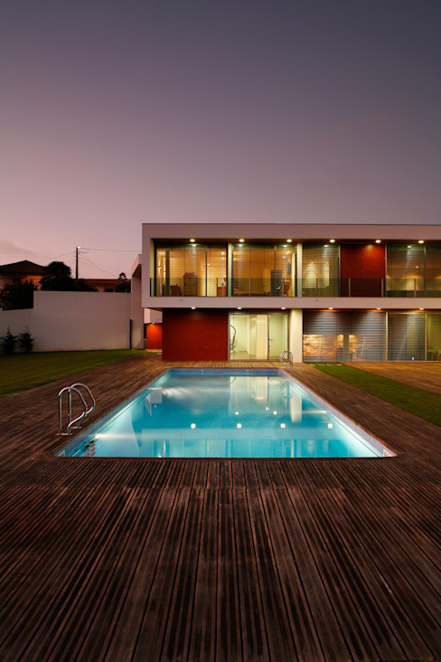 Modern Pool by Central Projectos Modern