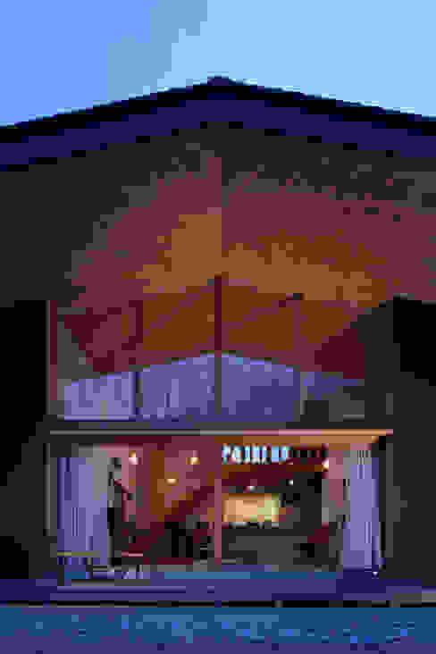 森の大屋根 日本家屋・アジアの家 の TENK 和風 木 木目調