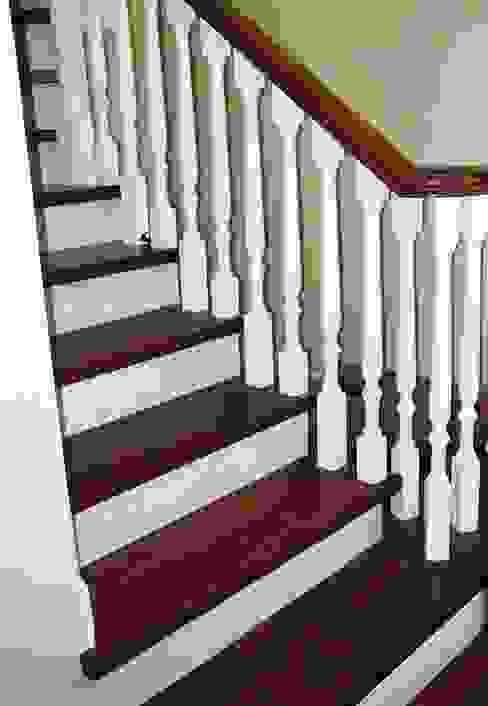 Falegnameria Martinelli Sergio Vestíbulos, pasillos y escalerasEscaleras Madera