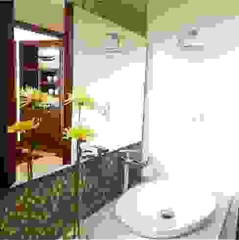 Baños de estilo  por ea interiorismo