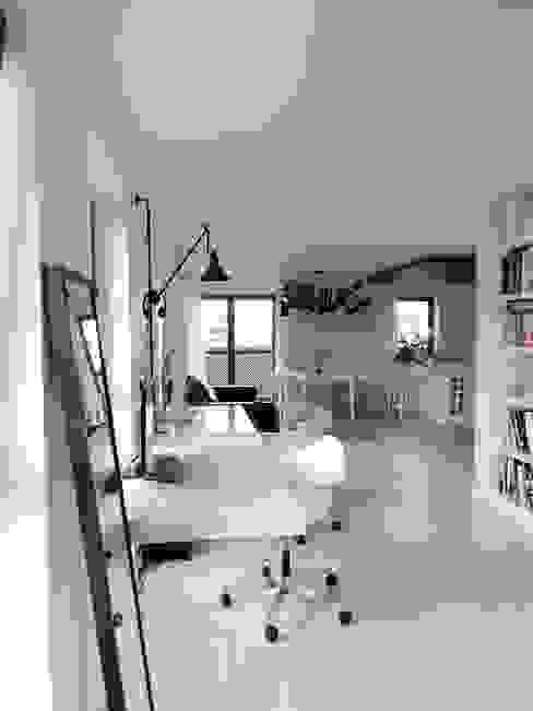 Рабочие кабинеты в . Автор – MINIMOO Architektura Wnętrz