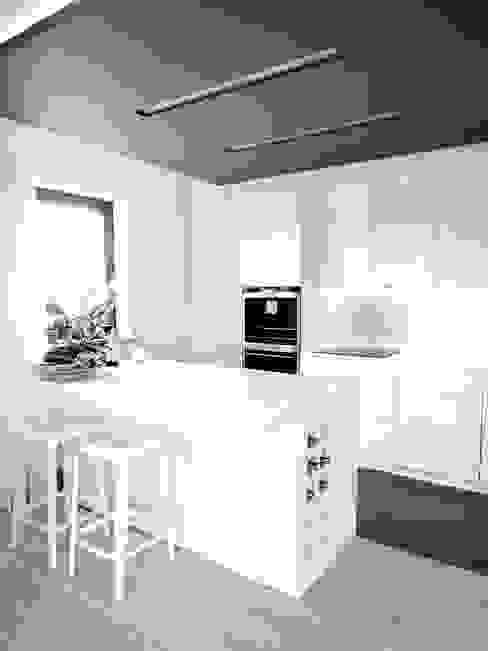 Cocinas minimalistas de MINIMOO Architektura Wnętrz Minimalista