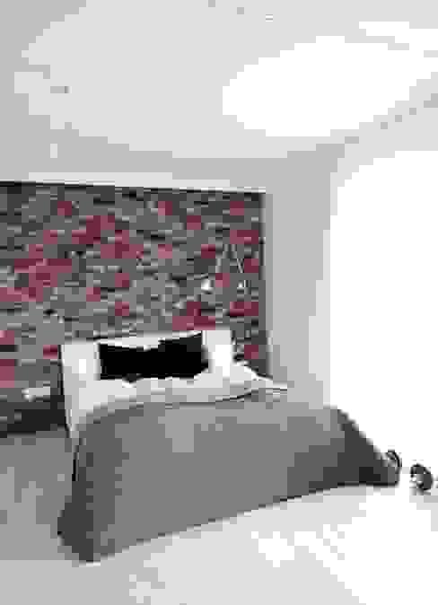 Chambre minimaliste par MINIMOO Architektura Wnętrz Minimaliste
