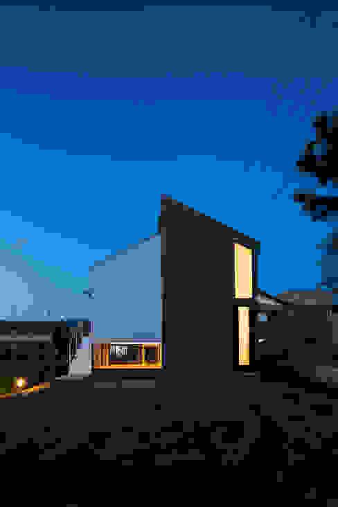 KAWATE: 武藤圭太郎建築設計事務所が手掛けた家です。,モダン