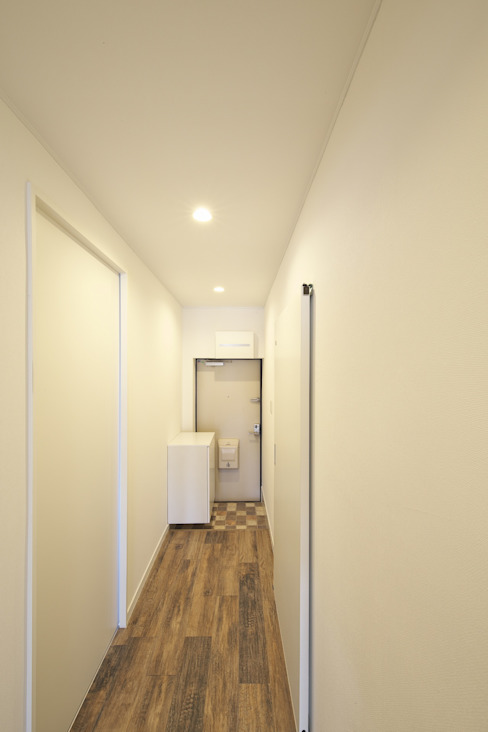Corridor & hallway by FRCHIS,WORKS, Eclectic Wood Wood effect