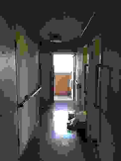 玄関・廊下 | 工事前 オリジナルスタイルの 玄関&廊下&階段 の FRCHIS,WORKS オリジナル