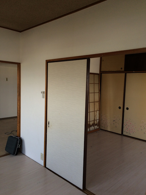 6畳和室2部屋 | 工事前 オリジナルデザインの 多目的室 の FRCHIS,WORKS オリジナル